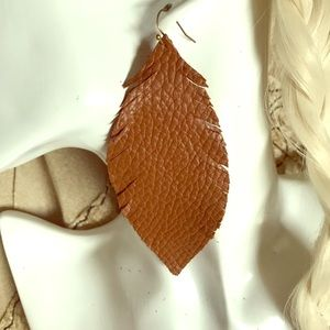 Large leather feathers
